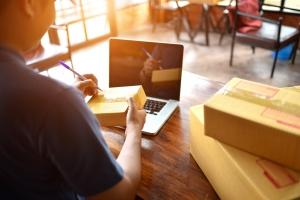 Ücretsiz kargo e-ticaret firmalarına nasıl fayda sağlar?