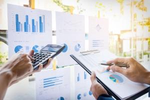 Finans ve muhasebe yönetim sistemi kullanmanız için 3 neden